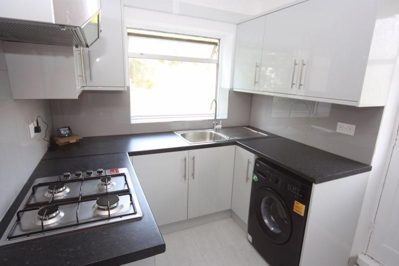 2 Bedroom Flat to rent in Northolt, Oldfields Circus