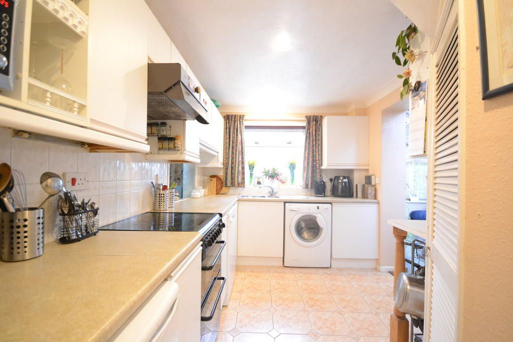 5 Bedroom Semi-Detached for sale in Maldon, Suffolk Road