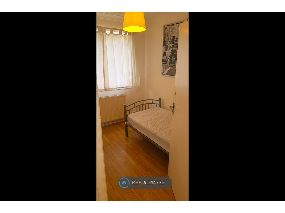 3 Bedroom Flat to rent in Mill Hill, Mill Hill u002F Finchley (N3) Boundary