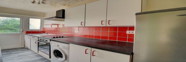 2 Bedroom Flat for sale in Ruislip, Middlesex, United Kingdom