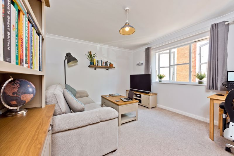 1 Bedroom Flat for sale in Mitcham, Cameron Square