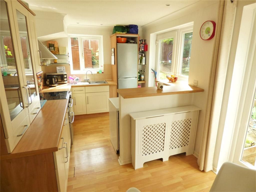 3 Bedroom Semi-Detached for sale in Bournemouth, Plantagenet Crescent