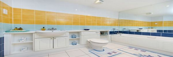 3 Bedroom Flat for sale in Ruislip, Middlesex, United Kingdom