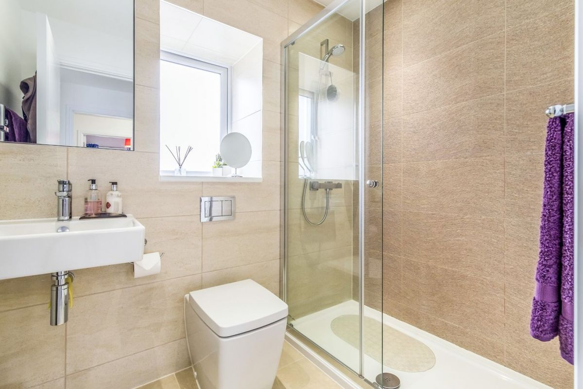 3 Bedroom Semi-Detached for sale in Chatham, Ballard Road