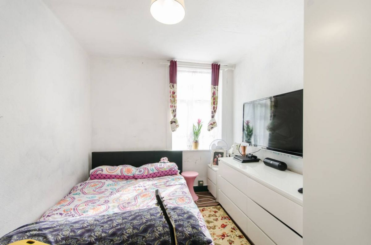 3 Bedroom Terraced for sale in Harrow, Northolt Road