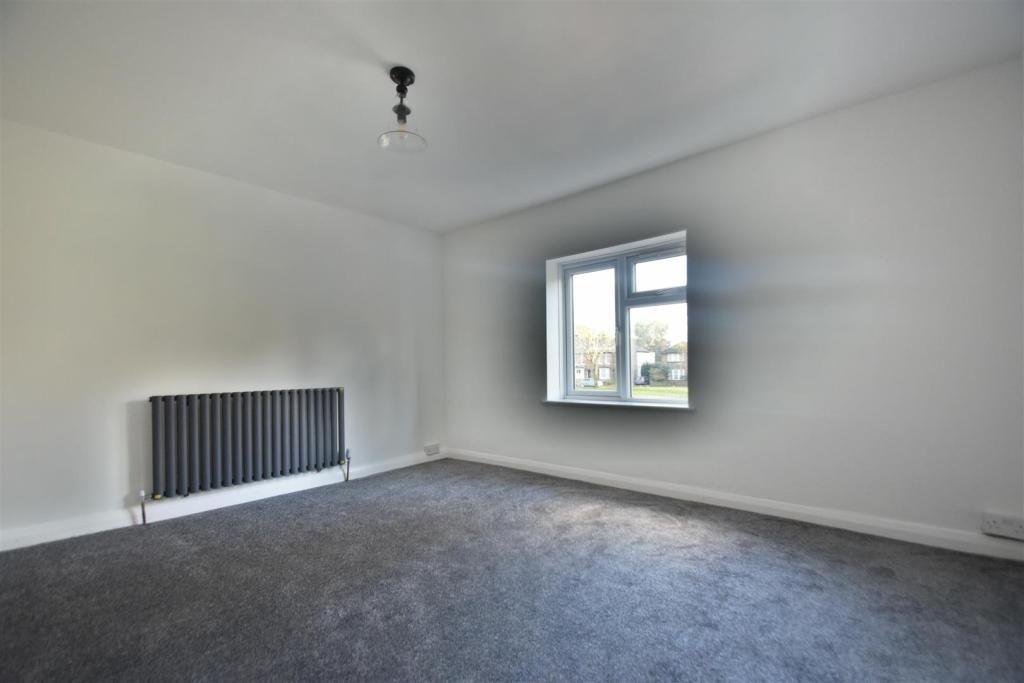 3 Bedroom Maisonette to rent in West Drayton, The Green