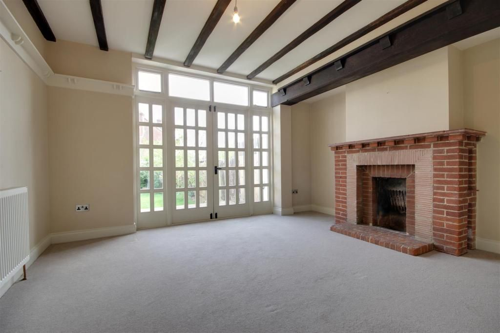 4 Bedroom Detached for sale in Winchmore Hill, Broadfields Avenue
