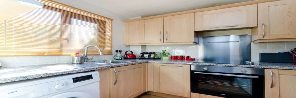 2 Bedroom Semi-Detached for sale in South Norwood, London, United Kingdom