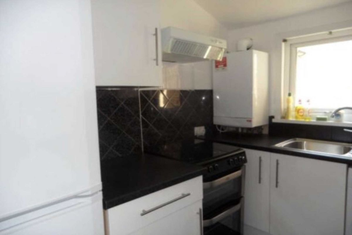 4 Bedroom Flat to rent in Plaistow, London, United Kingdom