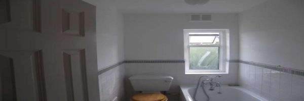 2 Bedroom Maisonette to rent in Thames Ditton, Surrey, United Kingdom