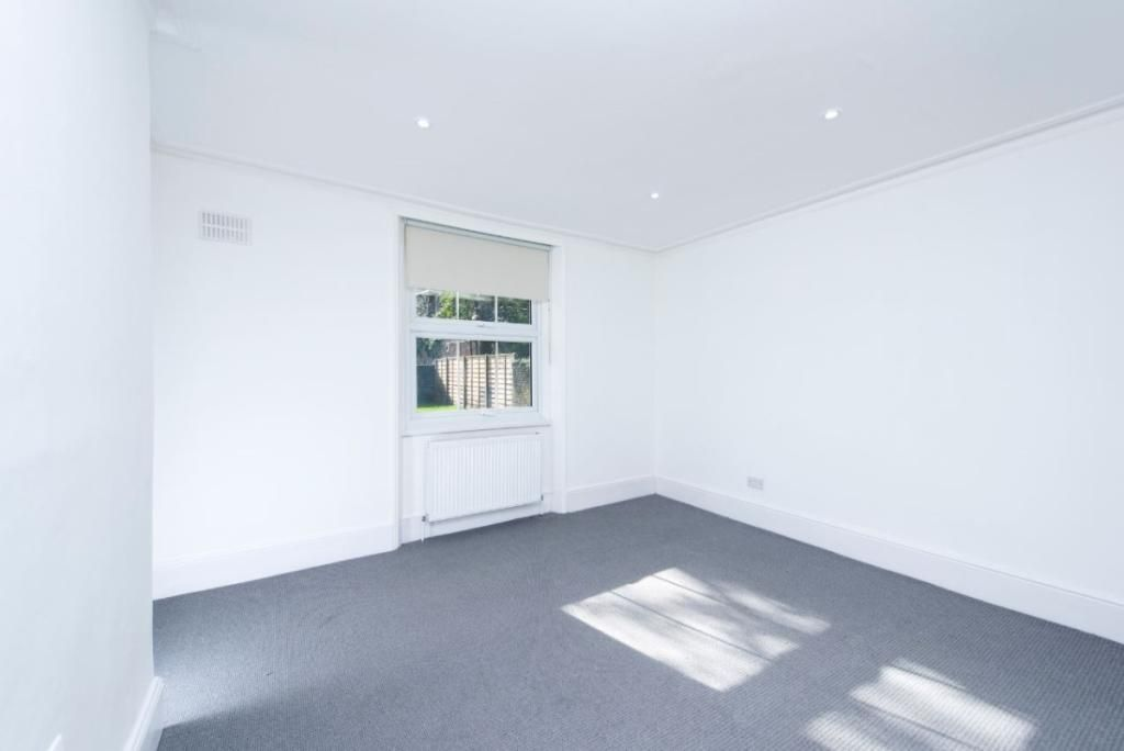 2 Bedroom Flat to rent in Roseville, Birchington Road London NW6