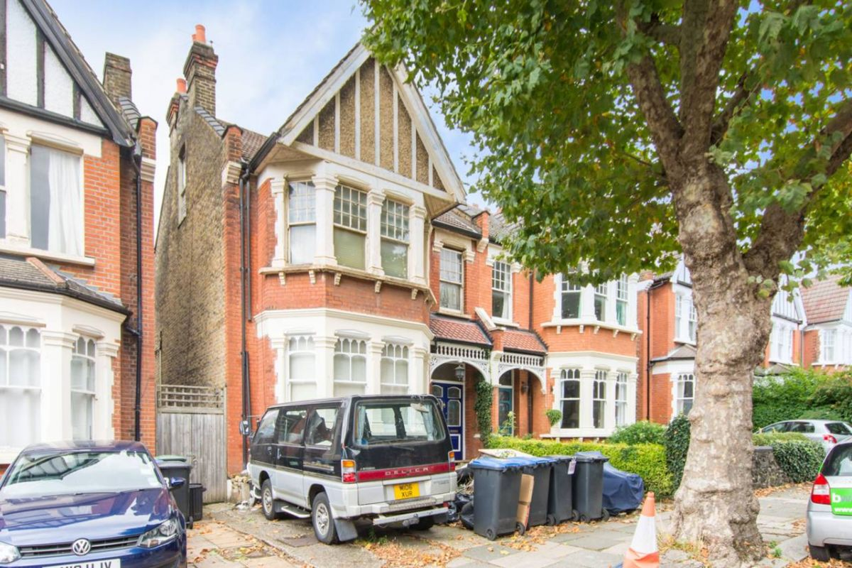 Studio for sale in Palmers Green, Grovelands Road