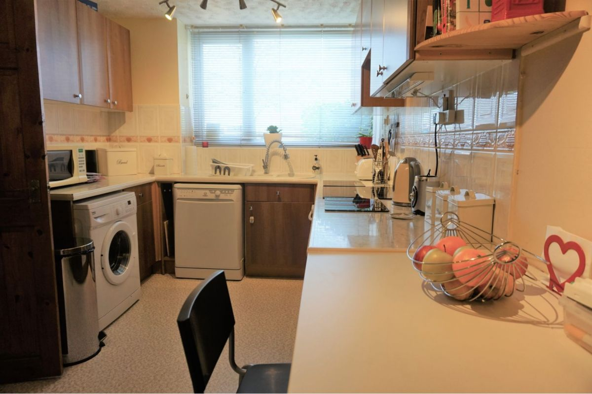 3 Bedroom Terraced for sale in Milton Keynes, Bletchley