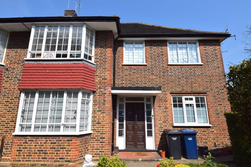 2 Bedroom Flat to rent in East Finchley, Brim Hill