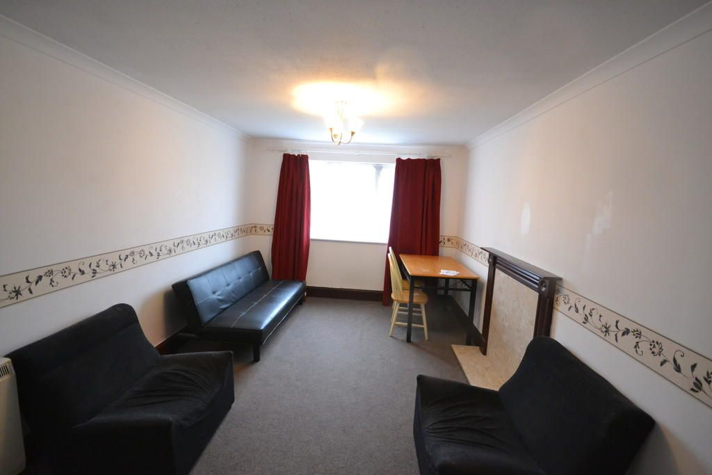 1 Bedroom Flat to rent in Ilford, Express Drive