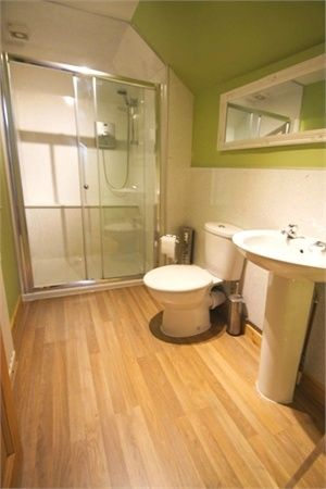 2 Bedroom Semi-Detached for sale in Aberdeen, Station Road