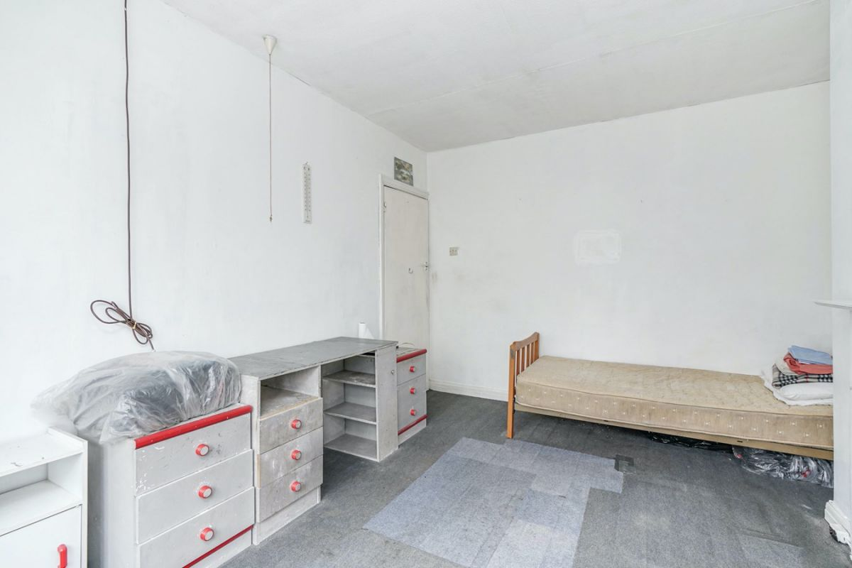3 Bedroom House For Sale In Greenford Robin Hood Way