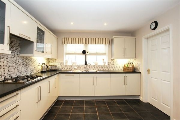 4 Bedroom Detached for sale in Goole, Humberside, United Kingdom
