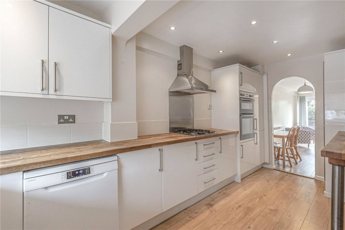5 Bedroom Terraced to rent in Winchester, Fiona Close