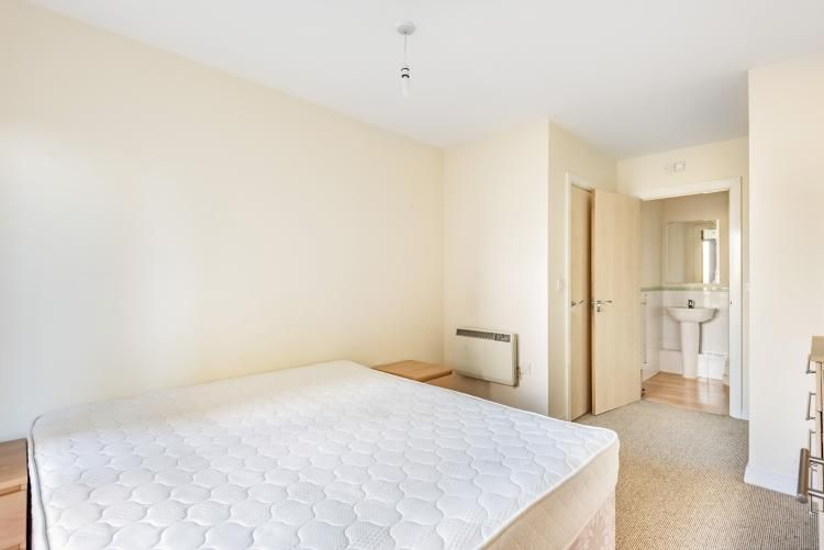 2 Bedroom Flat to rent in Acton, Victoria Road London W3