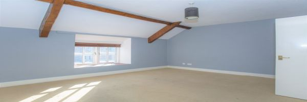 2 Bedroom Flat for sale in Yeovil, Somerset, United Kingdom