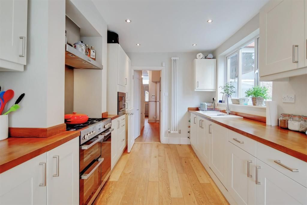 3 Bedroom Terraced for sale in Bromley, Park End
