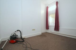 4 Bedroom Semi-Detached to rent in Plaistow, London, United Kingdom