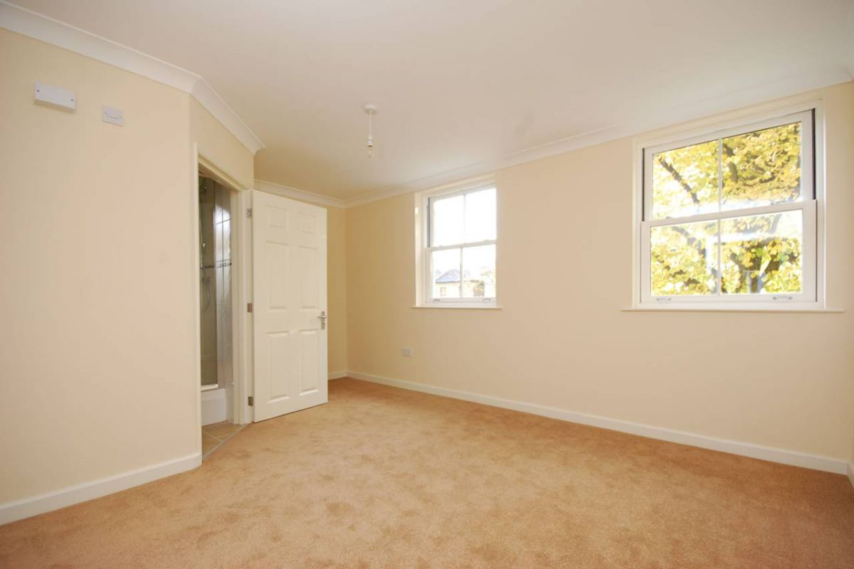 2 Bedroom Flat to rent in East Dulwich, Bass Mews