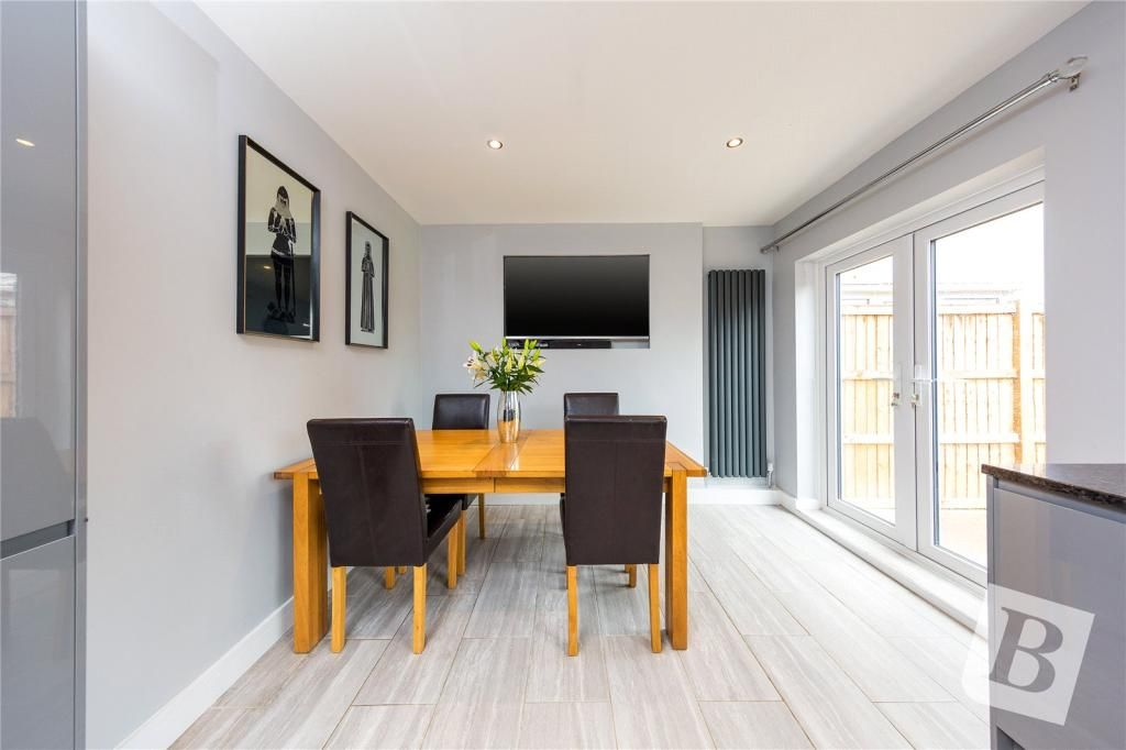 3 Bedroom Terraced for sale in Chelmsford, Harewood Road