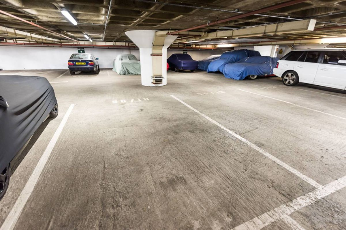 Parking for sale in South Kensington, Cromwell Road