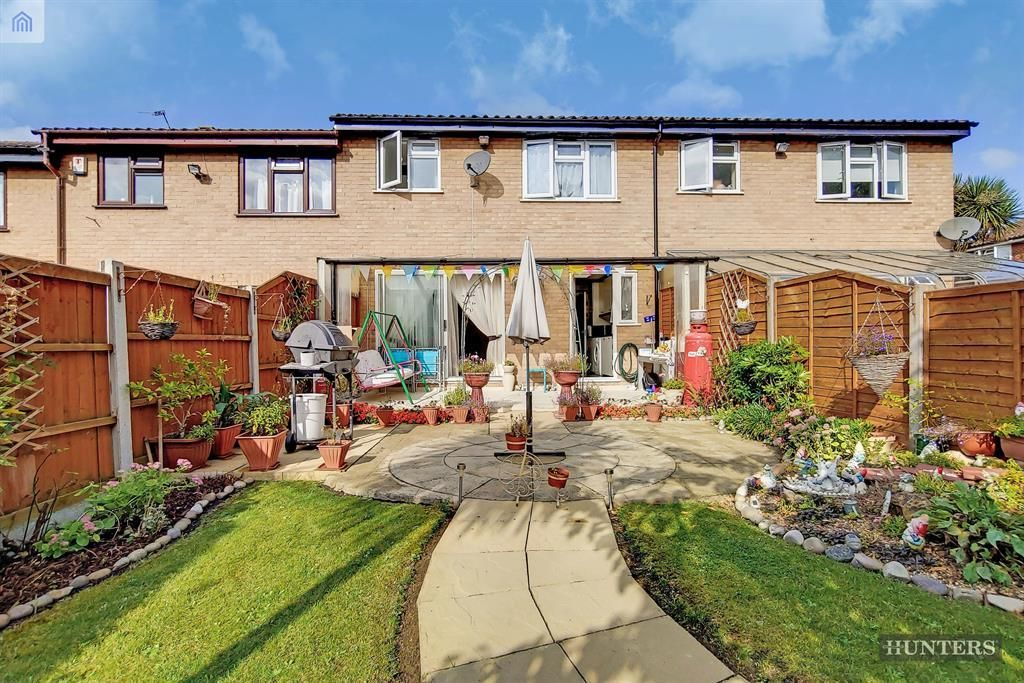 3 Bedroom Terraced for sale in Romford, Millhaven Close