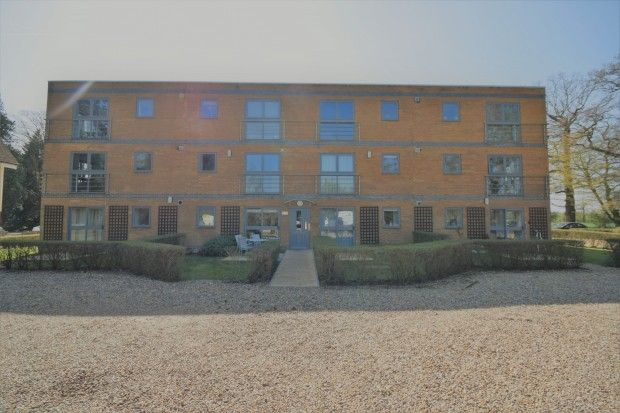 2 Bedroom Apartment to rent in St Albans, Hertfordshire, United Kingdom