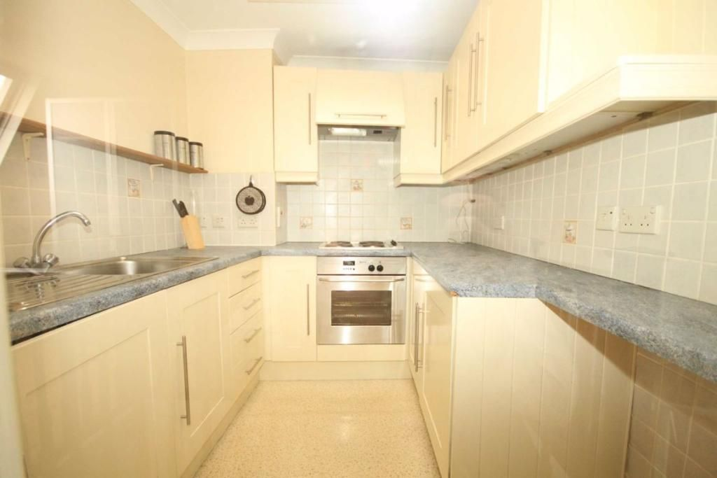 1 Bedroom Flat to rent in Earls Court, Earls Court Road