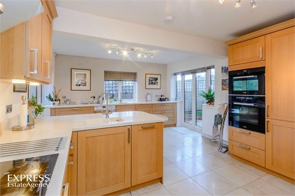 4 Bedroom Detached for sale in High Wycombe, Buckinghamshire, United Kingdom