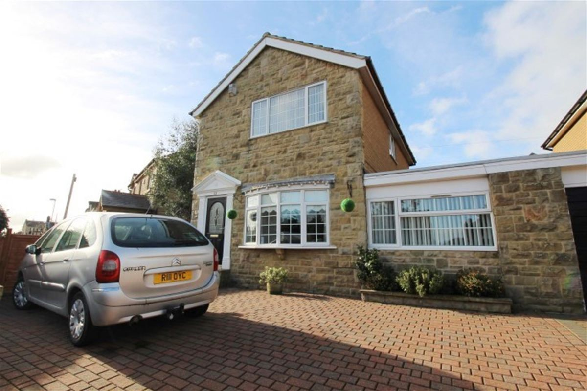 3 Bedroom Detached for sale in Pudsey, West Yorkshire, United Kingdom
