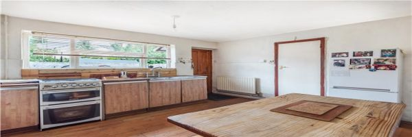 3 Bedroom Semi-Detached for sale in Mitcham, Surrey, United Kingdom