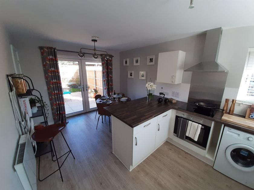 2 Bedroom Semi-Detached for sale in Banbury, Hope Close