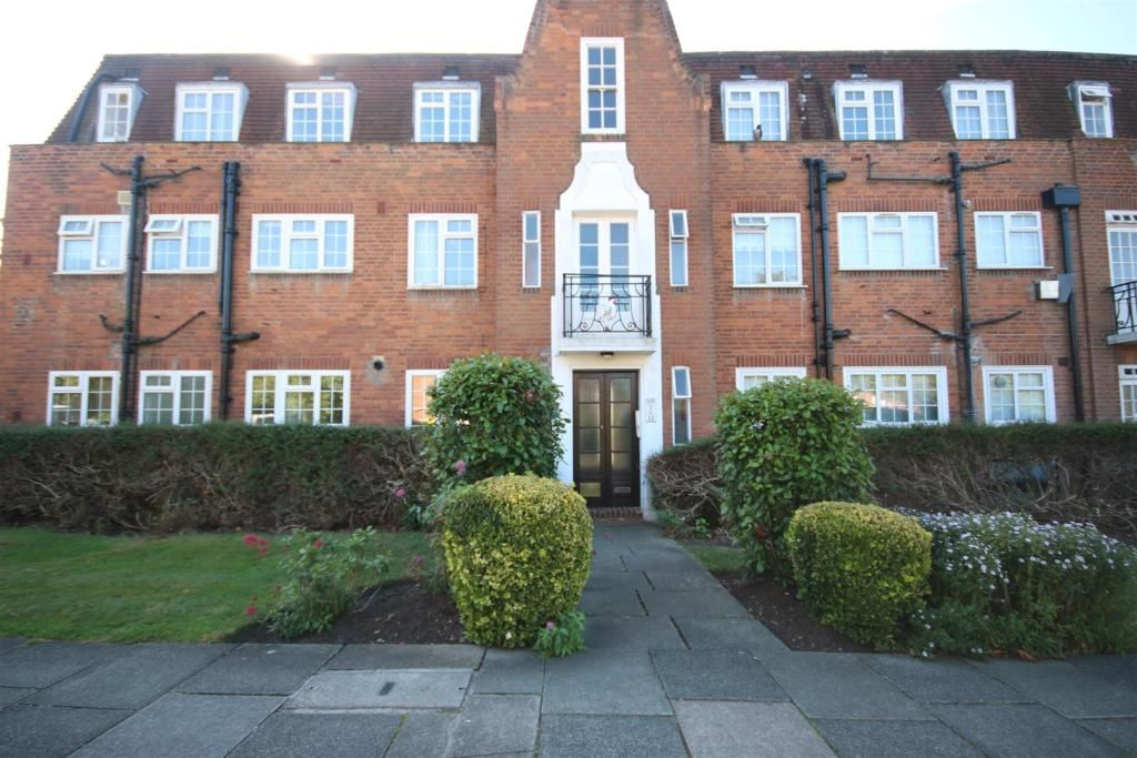 4 Bedroom Flat for sale in Barnet, Belmont Close