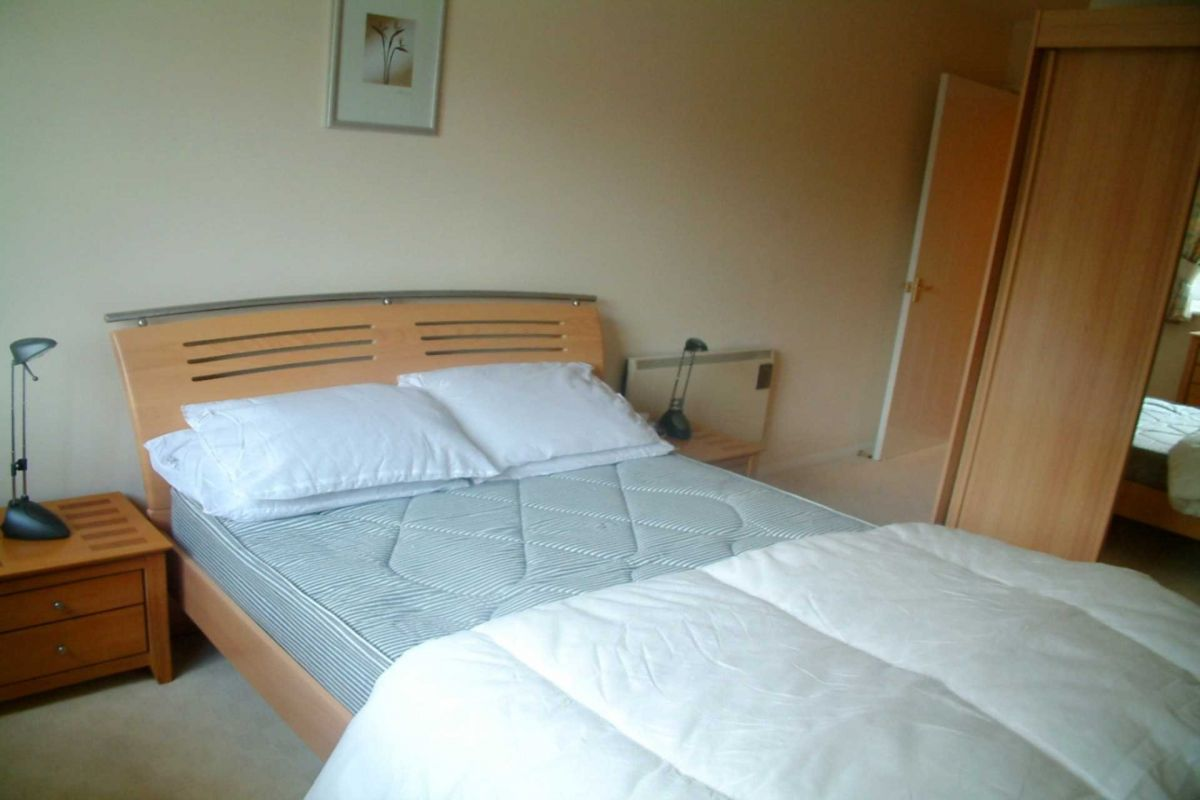 1 Bedroom Apartment To Rent In Crawley Town Mead
