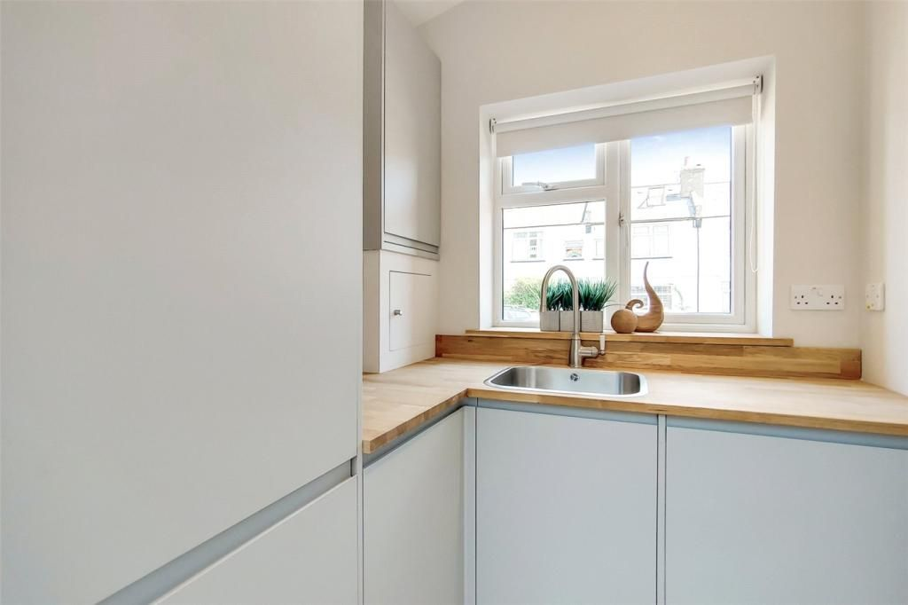 4 Bedroom Semi-Detached for sale in Surbiton, Red Lion Road
