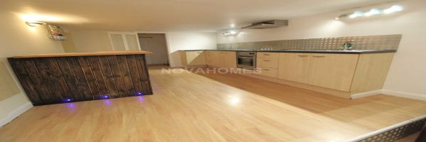 2 Bedroom Flat for sale in Plymouth, Devon, United Kingdom