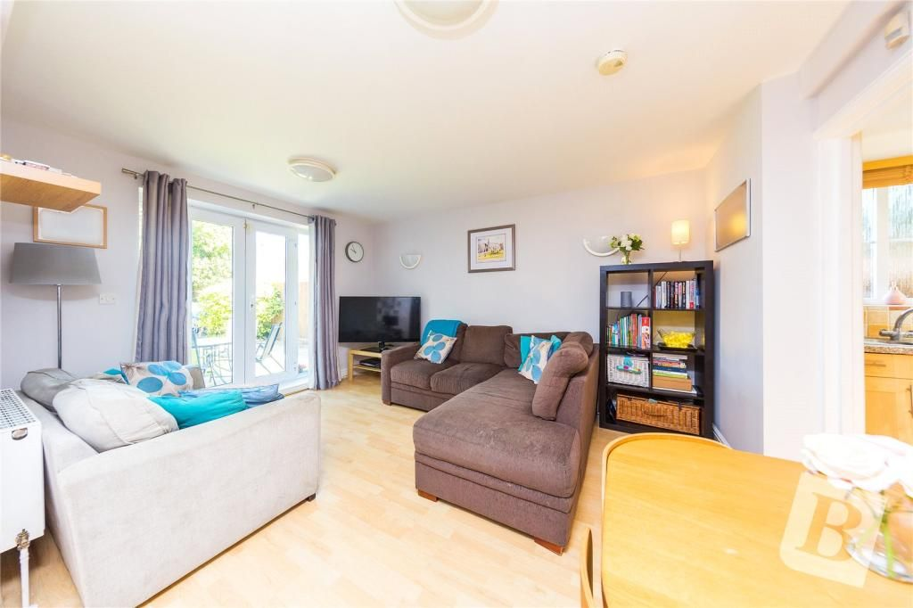 2 Bedroom Apartment for sale in Romford, Chipping Lodge