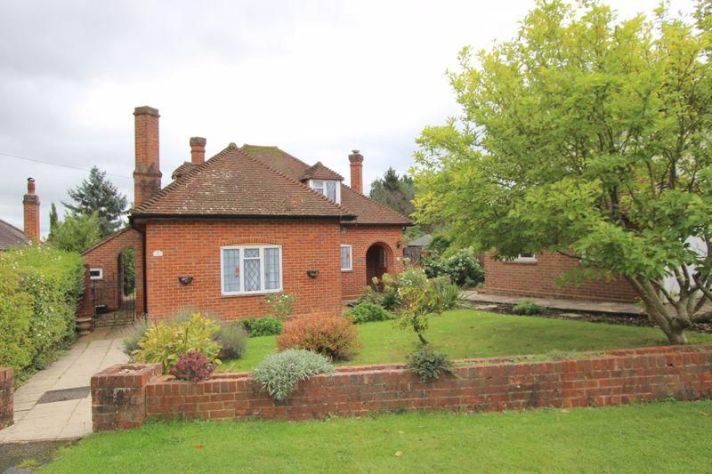 2 Bedroom Bungalow to rent in Epsom, Christ Church Mount