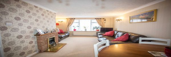 2 Bedroom Semi-Detached for sale in Rochester, Kent, United Kingdom