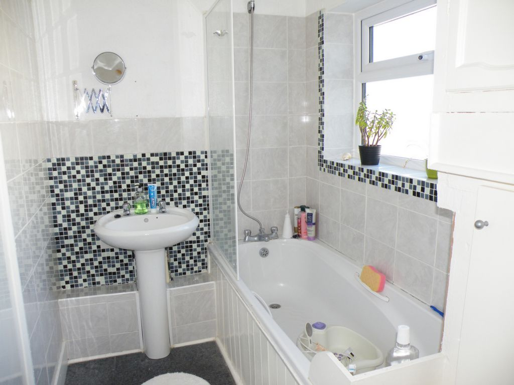 1 Bedroom Flat To Rent In Chatham Luton Road