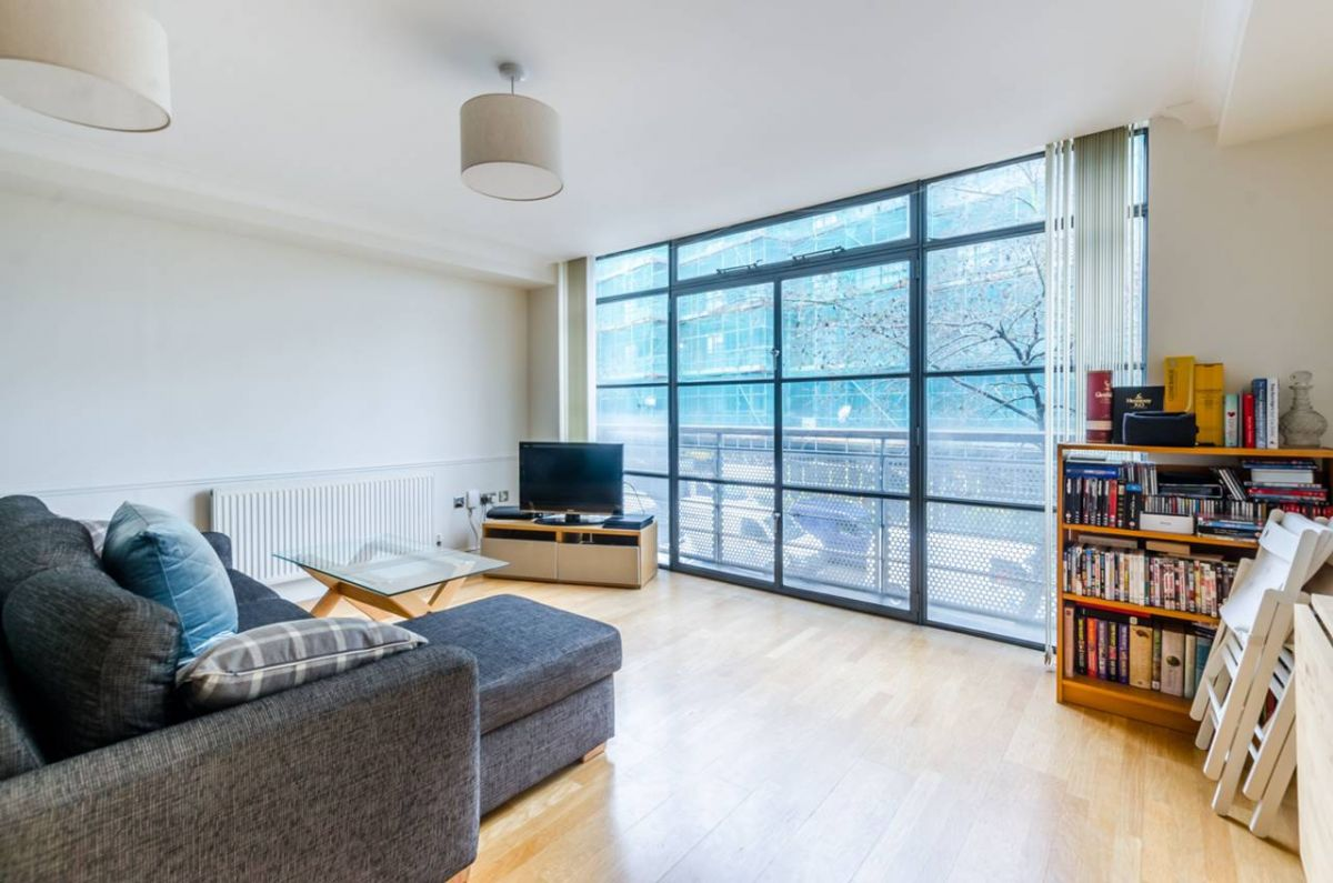 1 Bedroom Flat for sale in Brentford, Middlesex, United Kingdom