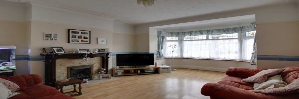 4 Bedroom Semi-Detached for sale in Southend On Sea, Essex, United Kingdom