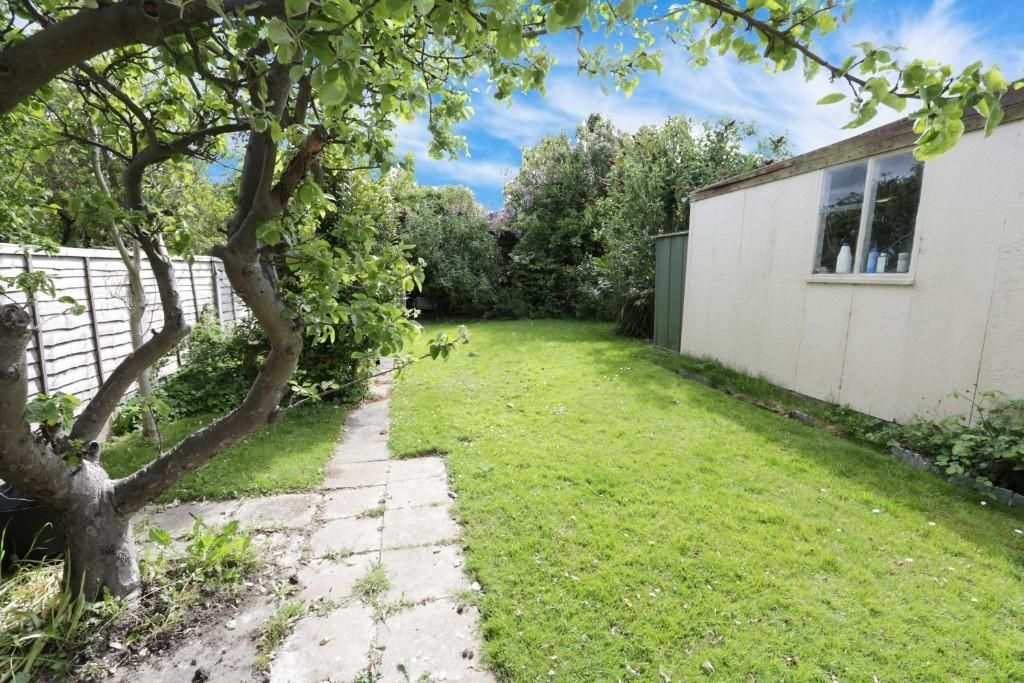 2 Bedroom Semi-Detached Bungalow for sale in Leigh On Sea, Adalia Crescent