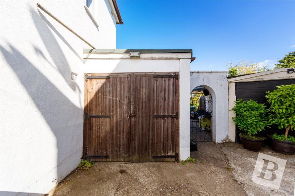 3 Bedroom Semi-Detached for sale in Romford, Redfern Gardens