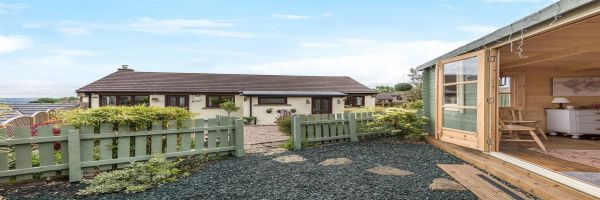 3 Bedroom Detached for sale in Shipley, West Yorkshire, United Kingdom